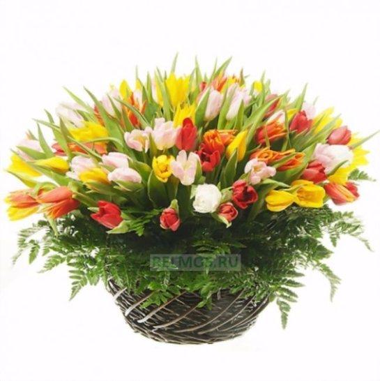 Доставка цветов в Москве: букеты из роз, пионов, тюльпанов и хризантем