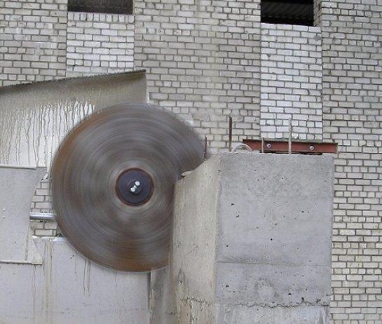 Особенности алмазной резки бетона