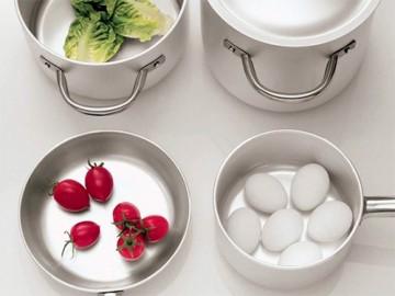 Ученые назвали посуду, в которой опасно готовить