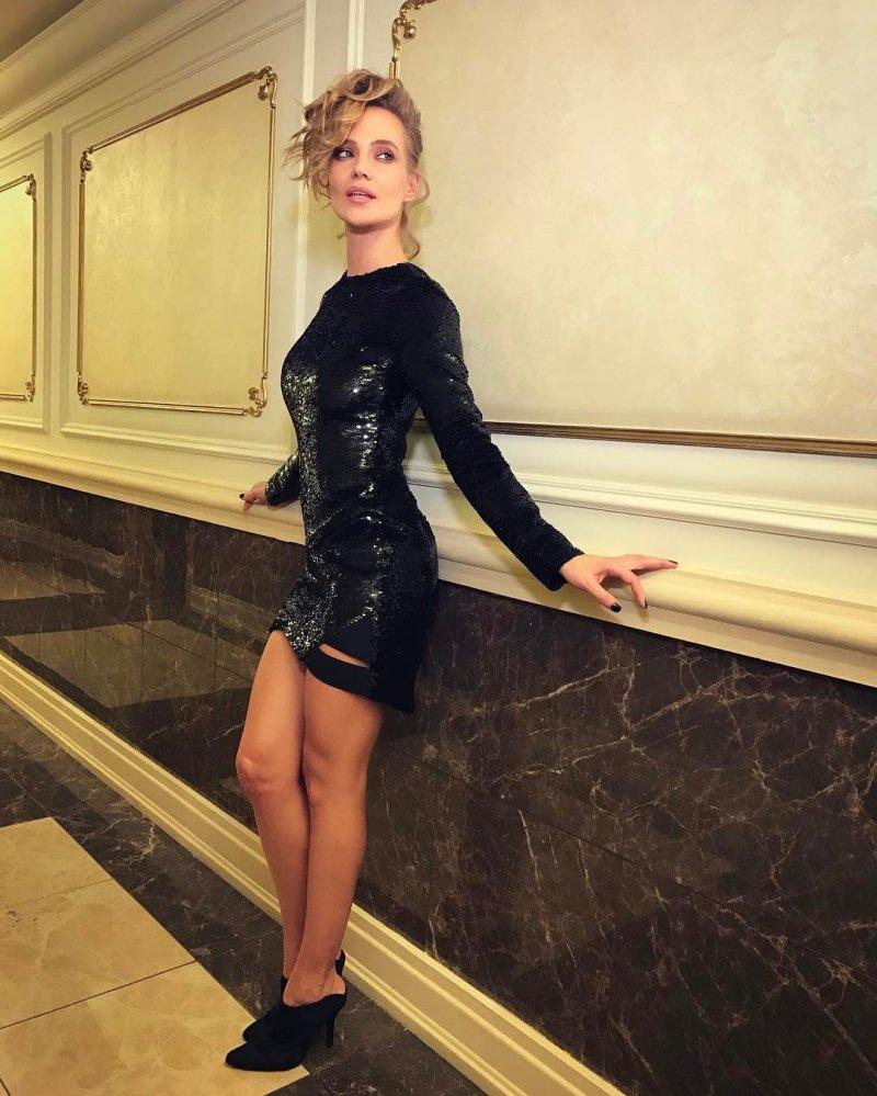 Светлана Лобода в откровенном наряде без белья затмила Глюкозу