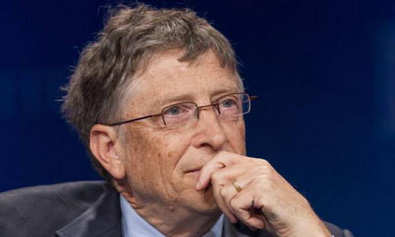 Меняя человека на робота, компании должны платить за него налоги, — Билл Гейтс
