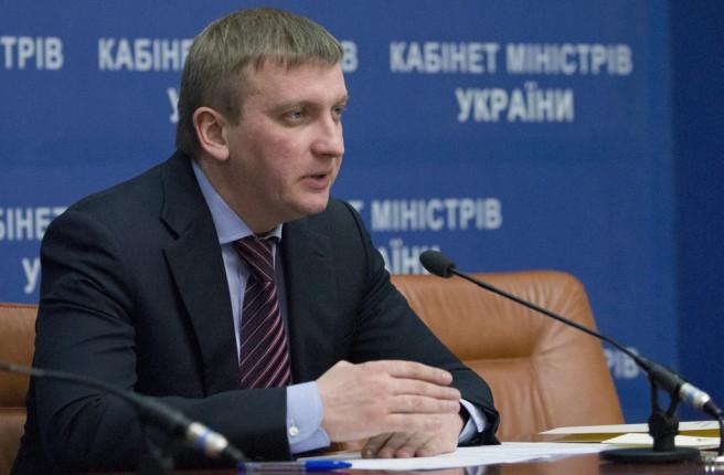 Минюст не будет инициировать процедуру «развод за сутки», — Петренко