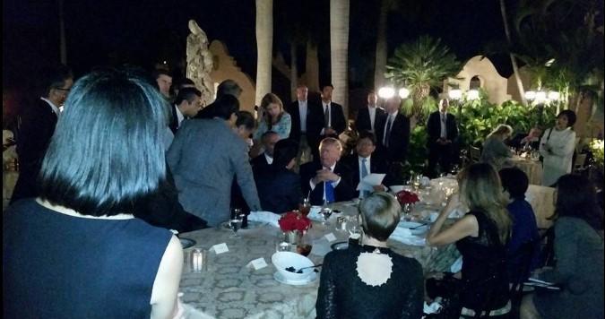 Трамп и Абэ узнали о ракетных испытаниях КНДР за ужином: Фото