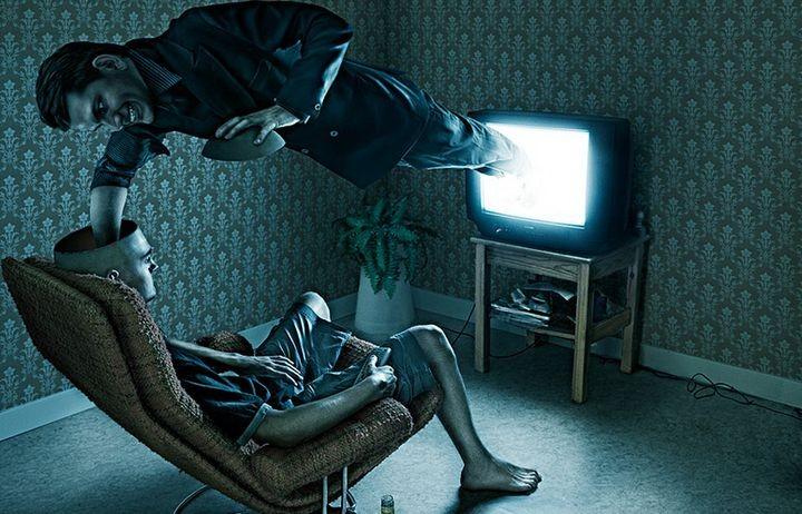 Россияне все меньше верят ТВ и все больше пользуются интернетом
