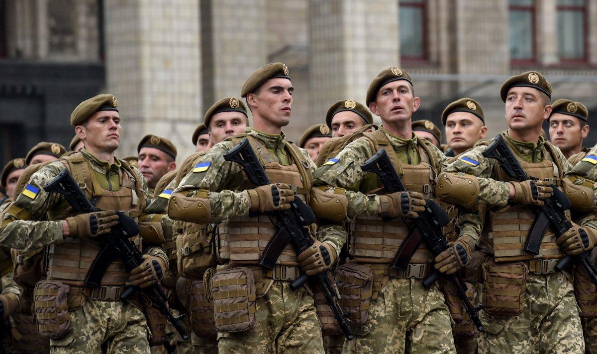С начала года в ряды ВСУ записалось 4,5 тысяч добровольцев, но призыв сохранится, — Порошенко