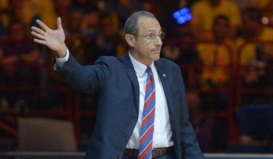 Какие проблемы испытывает тренер сборной Италии по баскетболу?