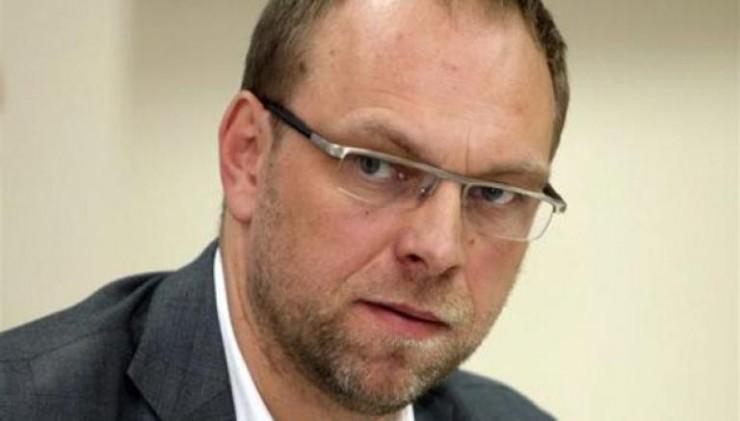 Власенко увидел в действиях Гонтаревой уголовные преступления