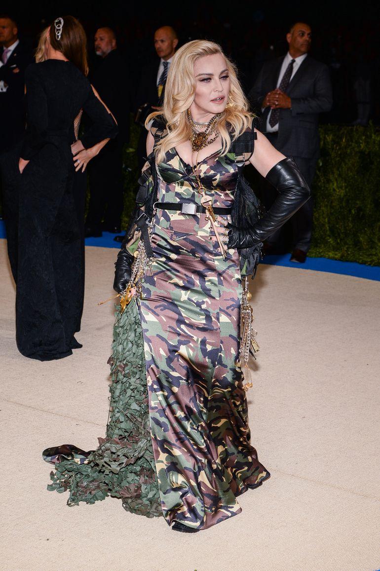 Не узнать: Мадонна показала лицо без макияжа