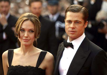Слухи о примирении Анджелины Джоли и Брэда Питта оказались фейком