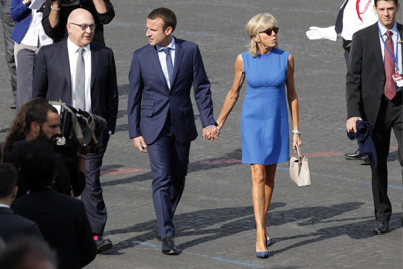 Накануне второго тура выборов рейтинг Макрона в 1,5 раза превышает рейтинг Ле Пен