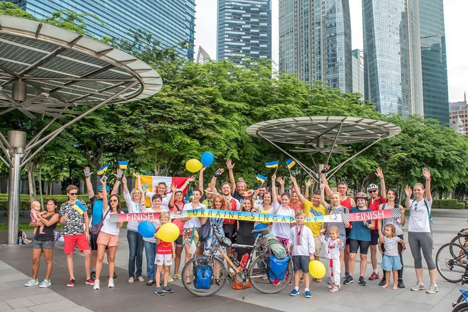 Украинец проехал на велосипеде 13 стран мира
