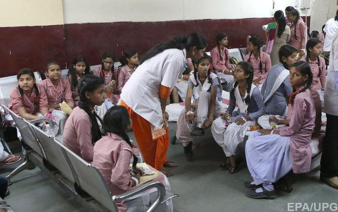 В Дели почти 200 школьниц попали в больницу из-за утечки газа