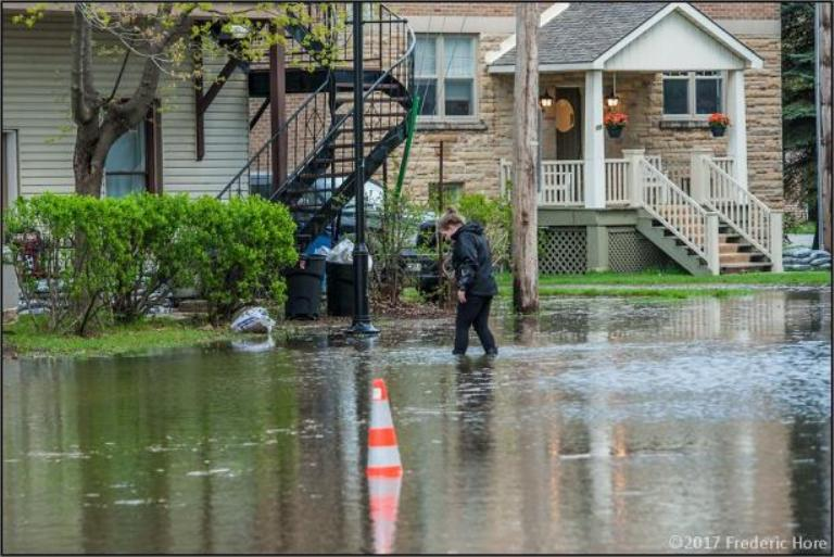 Из-за наводнения в Монреале началась эвакуация населения