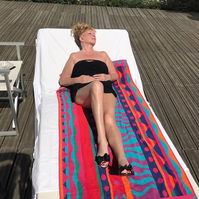 На отдыхе: Алла Пугачева показала фигуру в купальнике