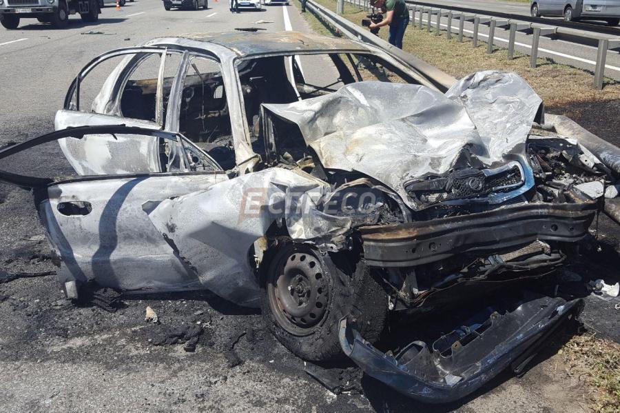 В Киеве из-за ДТП взорвалось авто, 4 пострадавших