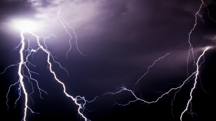 ГСЧС предупреждает об ухудшении погоды: Украину накроют грозы и ливни
