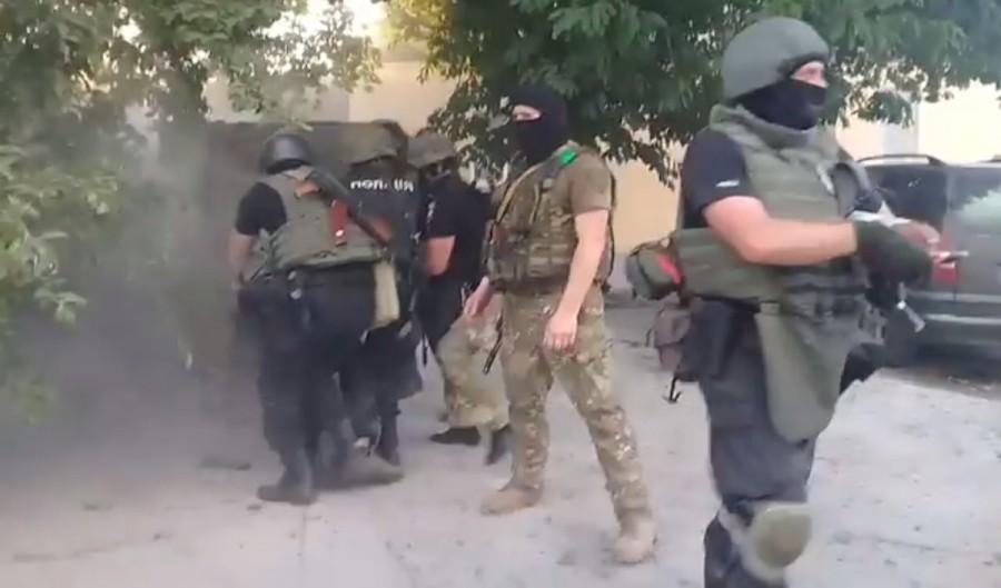 На Кировоградщине произошла масштабная стычка между полицией и АТОшниками