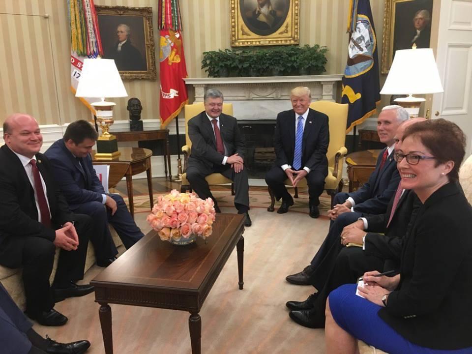 Трамп прокомментировал встречу с Порошенко