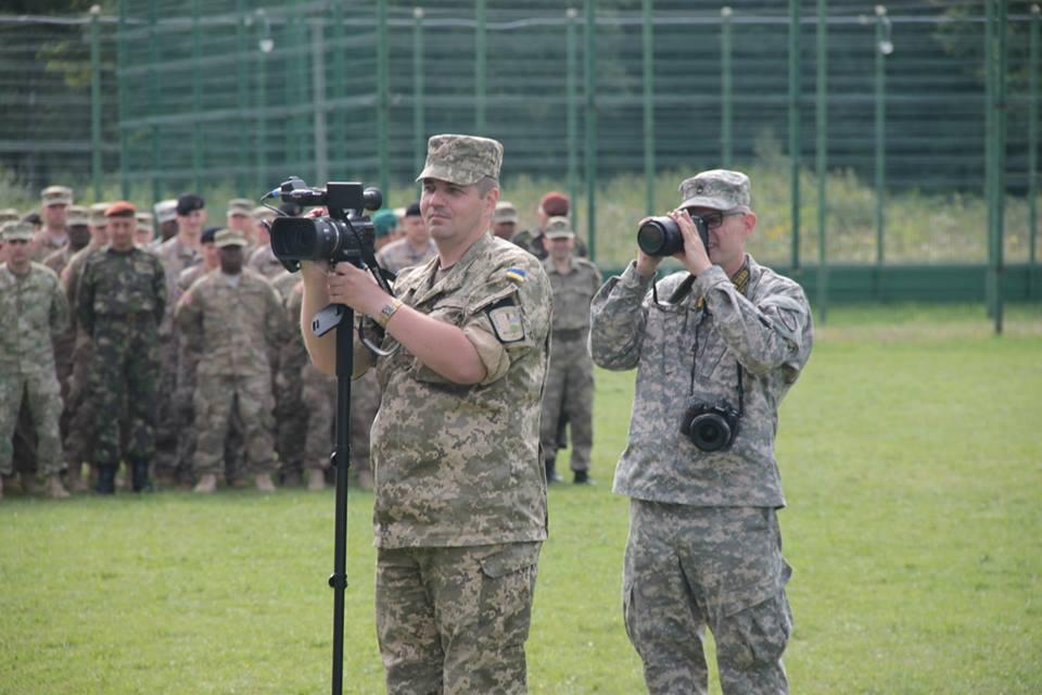 Зачем Украине военные СМИ