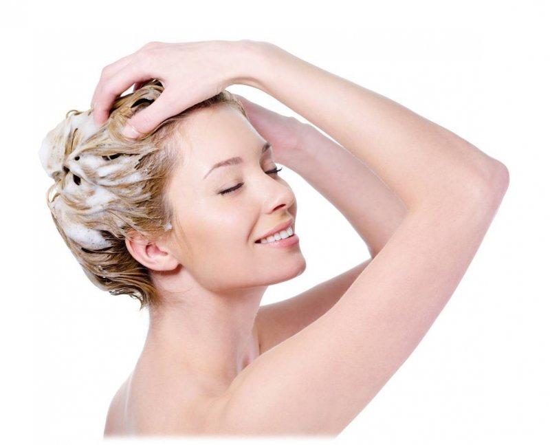 Причины, по которым мыть волосы ежедневно не рекомендуется