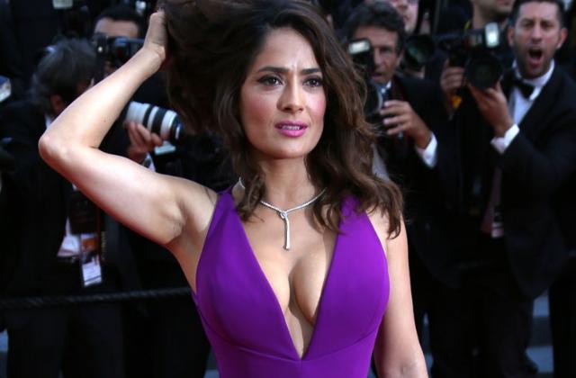 50-летняя актриса Сальма Хайек сделала пикантное селфи