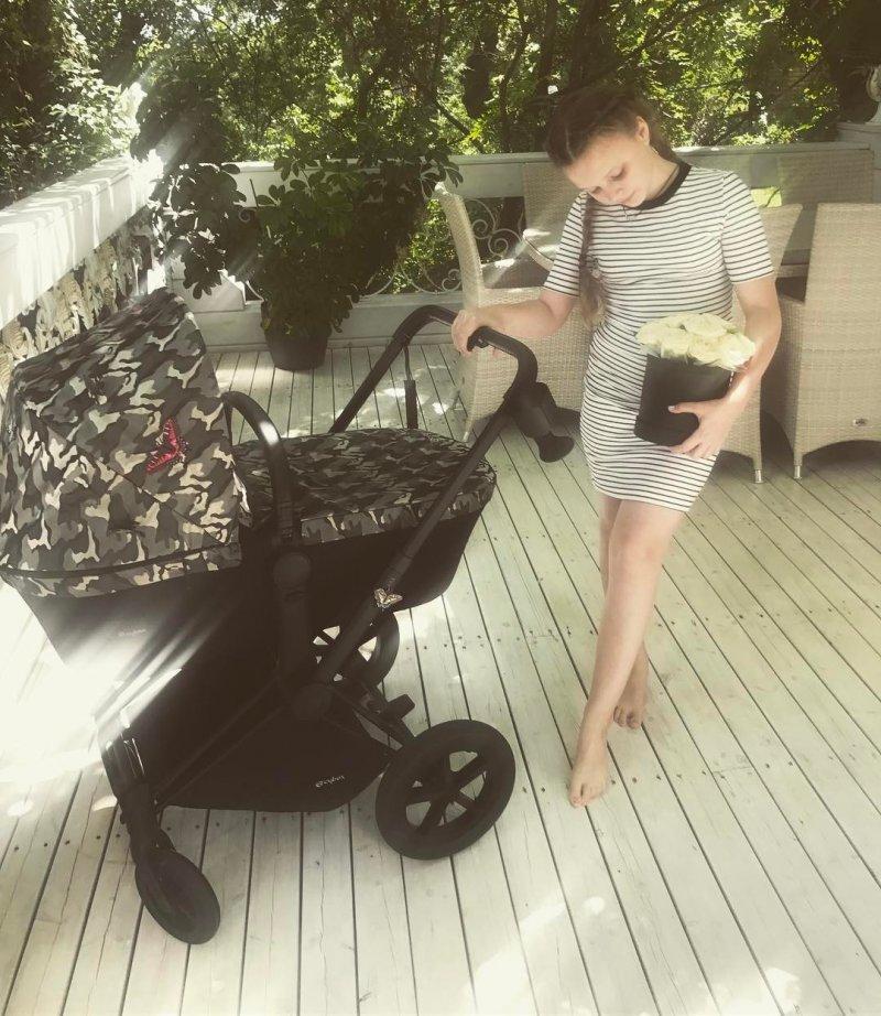 Ольга Фреймут опубликовала первое фото после рождения третьего ребёнка
