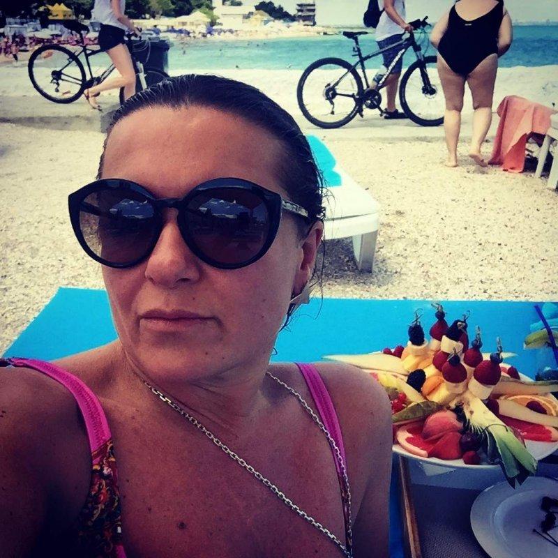 Могилевская показала фигуру в купальнике на отдыхе