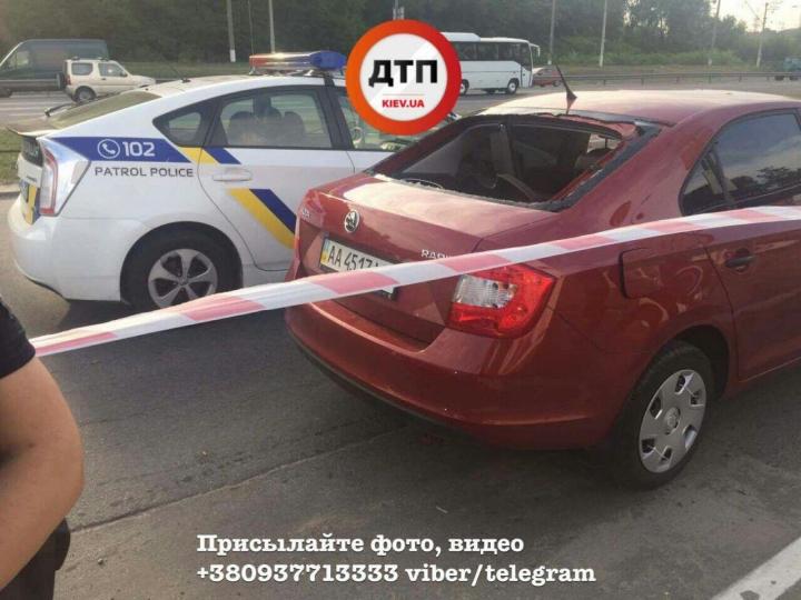 Вооруженное нападение в Киеве: неизвестные украли сумку с 2,5 млн. грн.