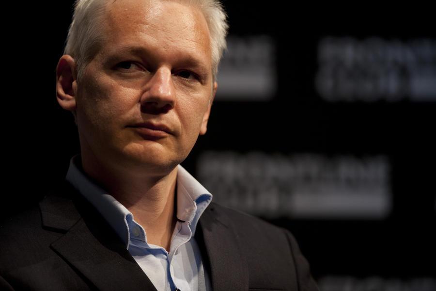 WikiLeaks обнародовала тысячи писем с предвыборной кампании Макрона