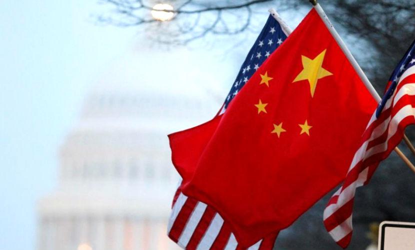 Китайские истребители перехватили самолет ВМС США, — Reuters