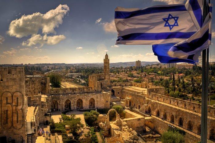В результате нападения в Иерусалиме убиты двое полицейских