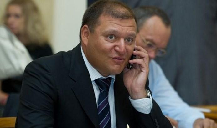 Добкин может бежать за границу, — Луценко