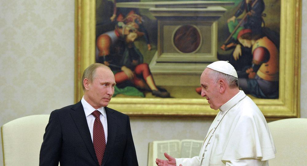 Politico: Почему Папа Римский любит Путина