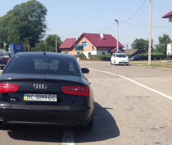 Полиция поймала за рулем нетрезвого нардепа БПП
