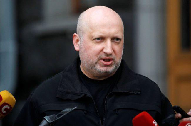 Лукашенко отменил визит к Путину из-за поведения его военных, — Турчинов