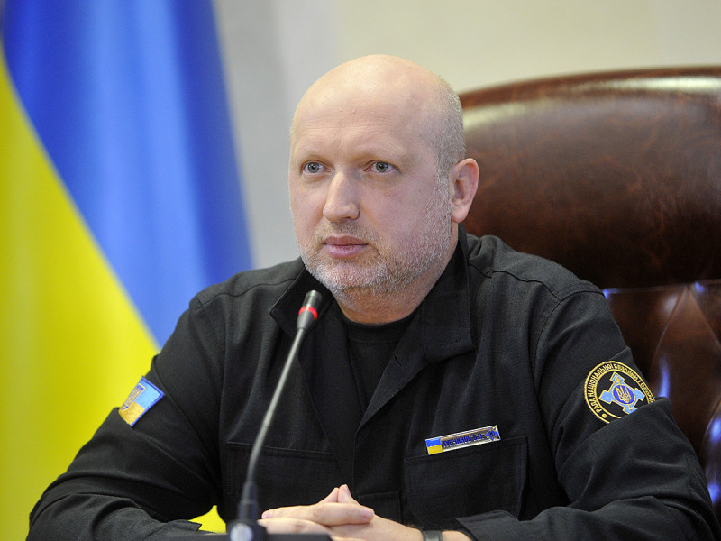 Турчинов озвучил приоритеты в оборонной сфере Украины