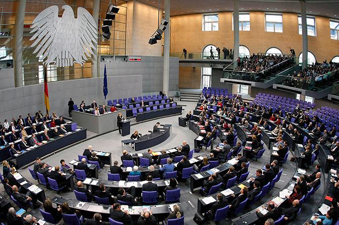 Сколько зарабатывают политики в Германии