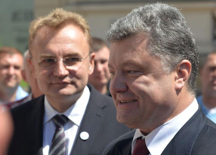 Порошенко на форуме YES расспрашивал Садового о Саакашвили