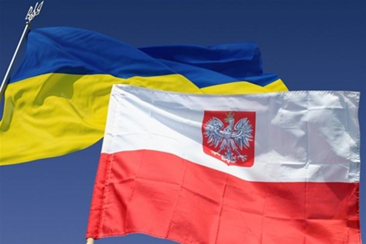 За полгода Польша выдала работникам из Украины 95 тысяч виз