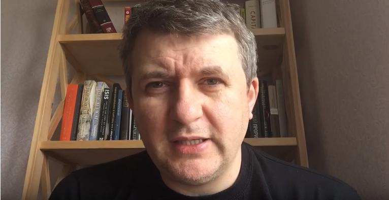Скандал с Саакашвили — очень серьезная ошибка Порошенко, — Романенко