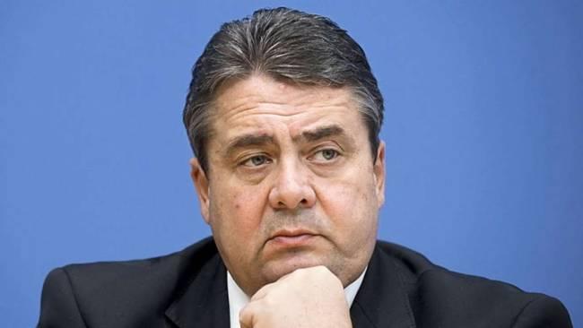 Габриэль хочет посмотреть, что выйдет из инициативы Путина по миротворцам на Донбассе
