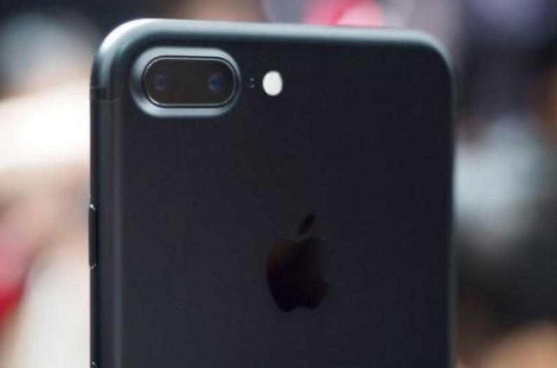 Apple испытывает своих покупателей на лояльность очень дорогим новым iPhone — FT