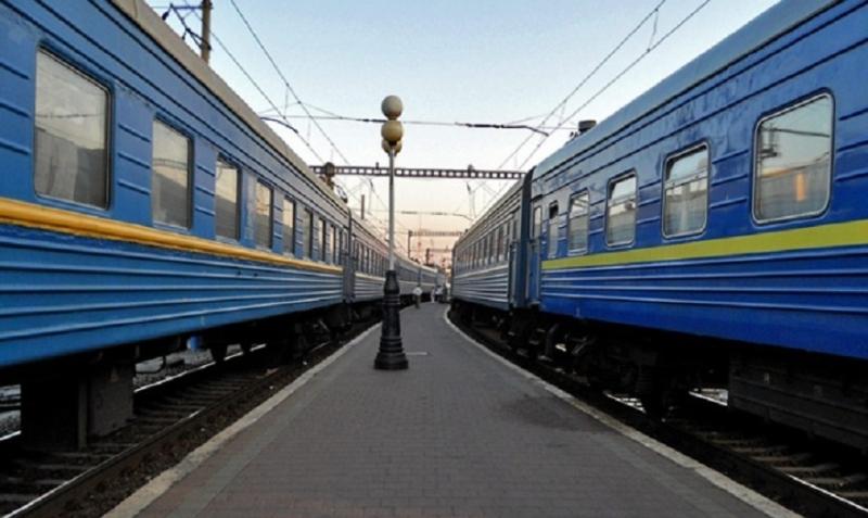 Из-за взрывов под Калиновкой изменены маршруты 47 пассажирских поездов