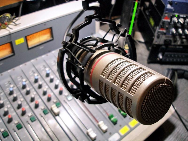 Нацсовет: Радиостанции перевыполняют языковые квоты в эфирах