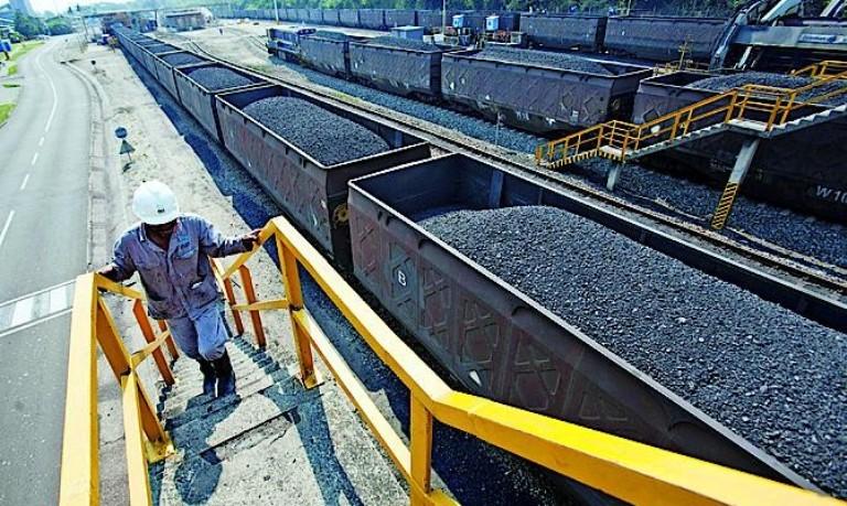 Благодаря поставкам угля из США Россия потеряла инструмент энергетического шантажа, — Порошенко