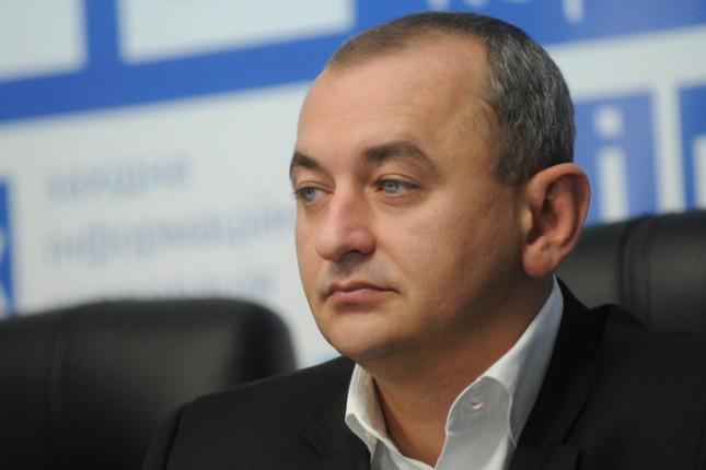 Матиос заявил, что каждый украинец должен иметь оружие
