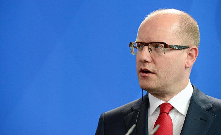 Речь Земана в ПАСЕ по Крыму контрастирует с внешней политикой правительства, – премьер Чехии