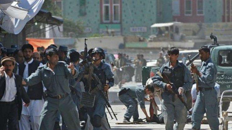 Мощный взрыв прогремел в дипломатическом квартале Кабула, много жертв