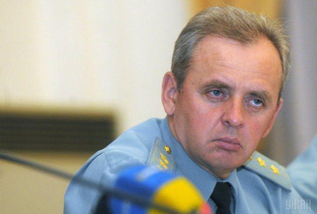 Около половины боеприпасов в Украине хранятся под открытым небом, — Муженко
