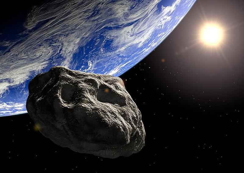 Астероид в четверг пролетит рядом с Землей